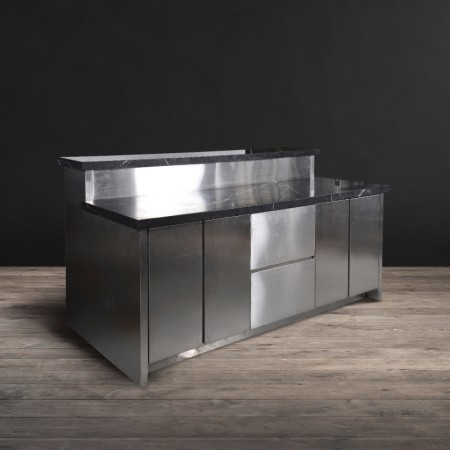 Kitchen Sleek Island