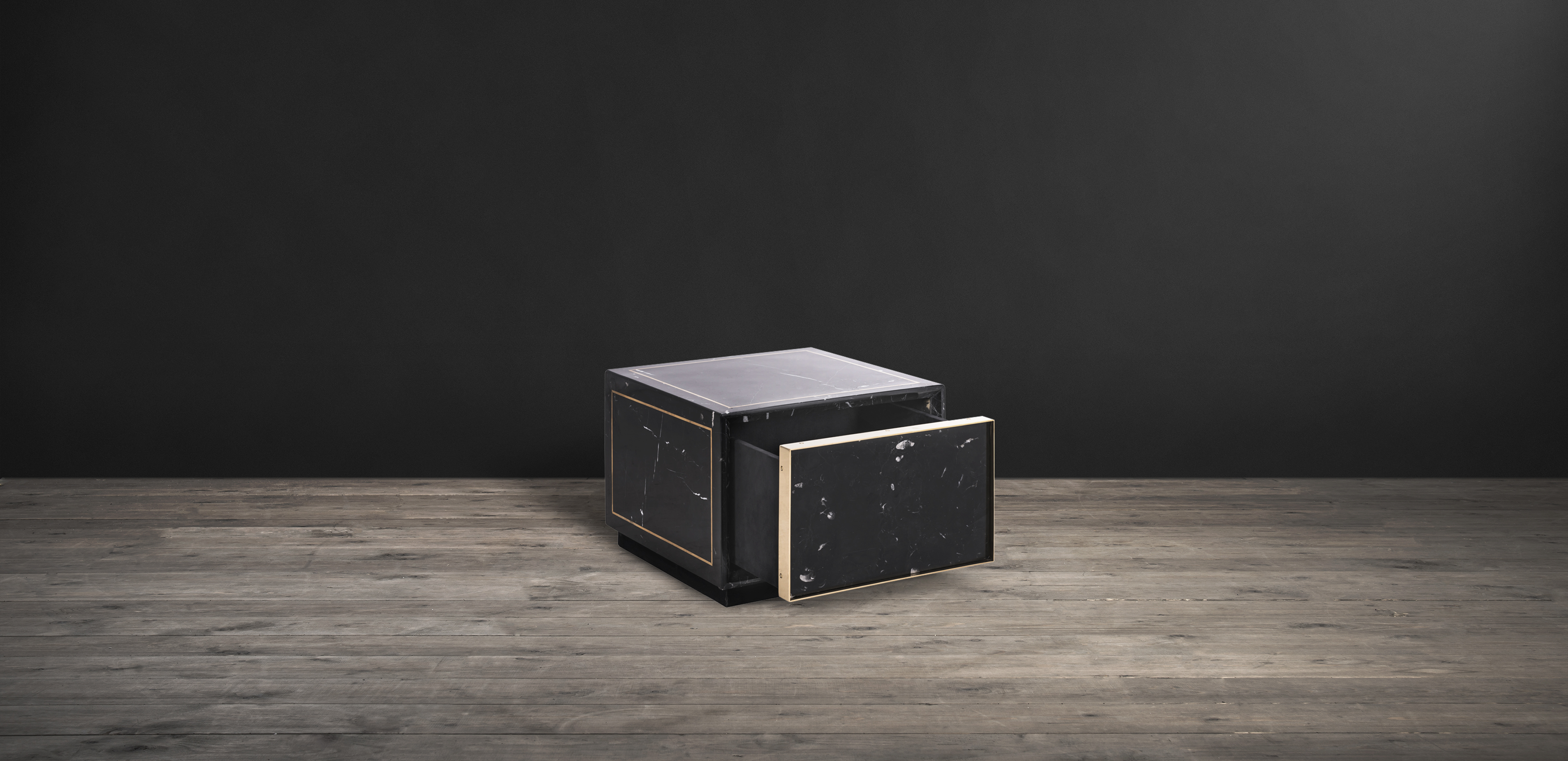Timothy Oulton side table in black marble - Colosseum