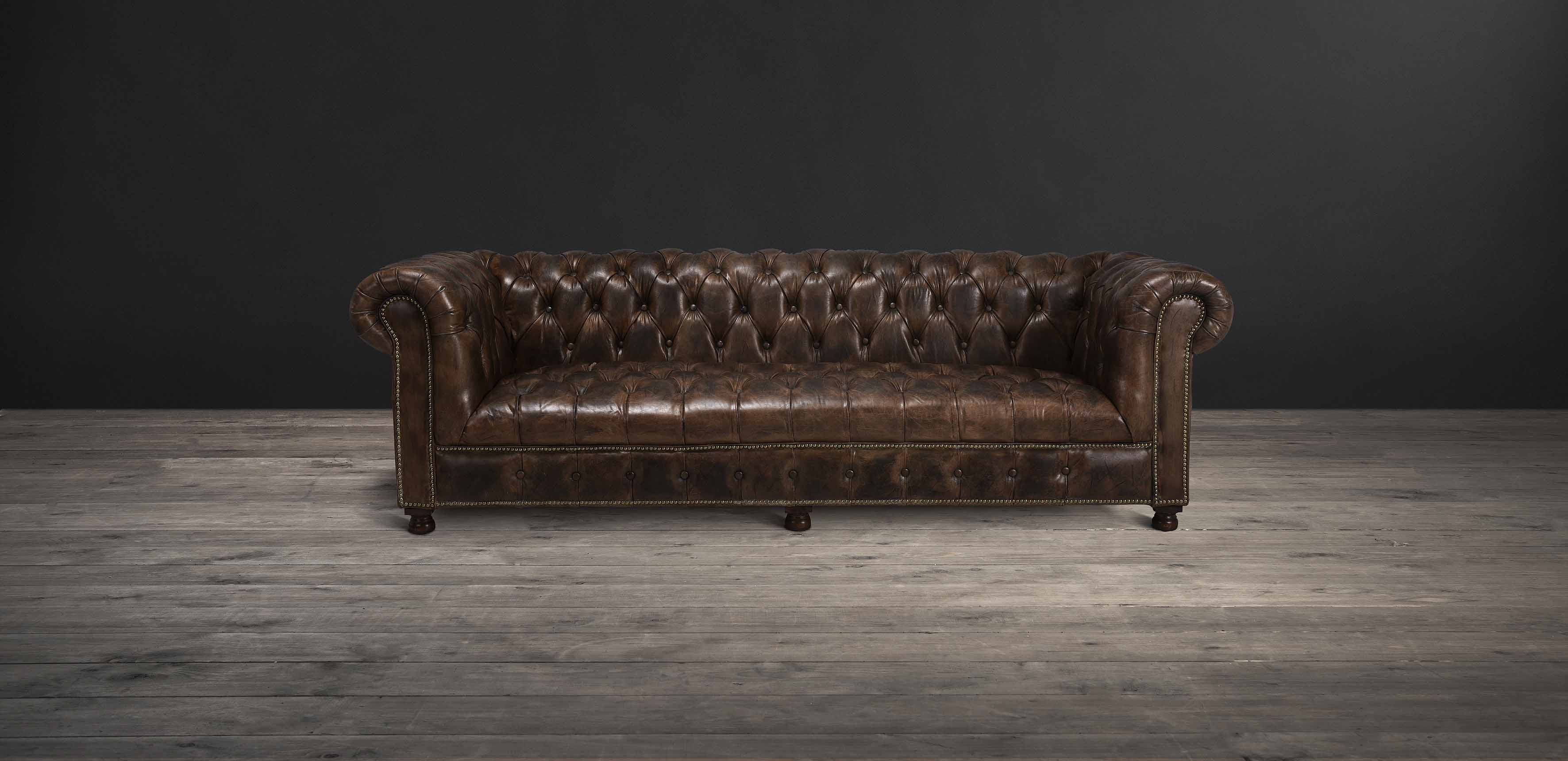 Westminster Button sofa | Timothy Oulton