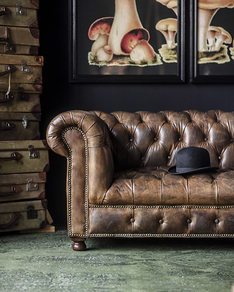 Westminster Button Sofa in Buck'dN Brok'n Finish - 2019 New Collection | Timothy Oulton